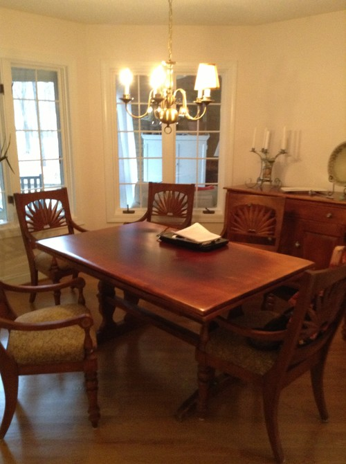 Octagon dining room 11ft all sides that needs life