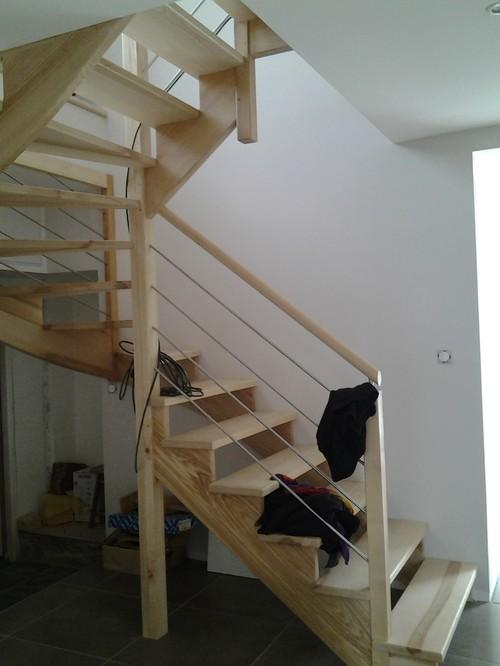 Besoin d 39 aide pour la couleur des murs for Couleur mur escalier