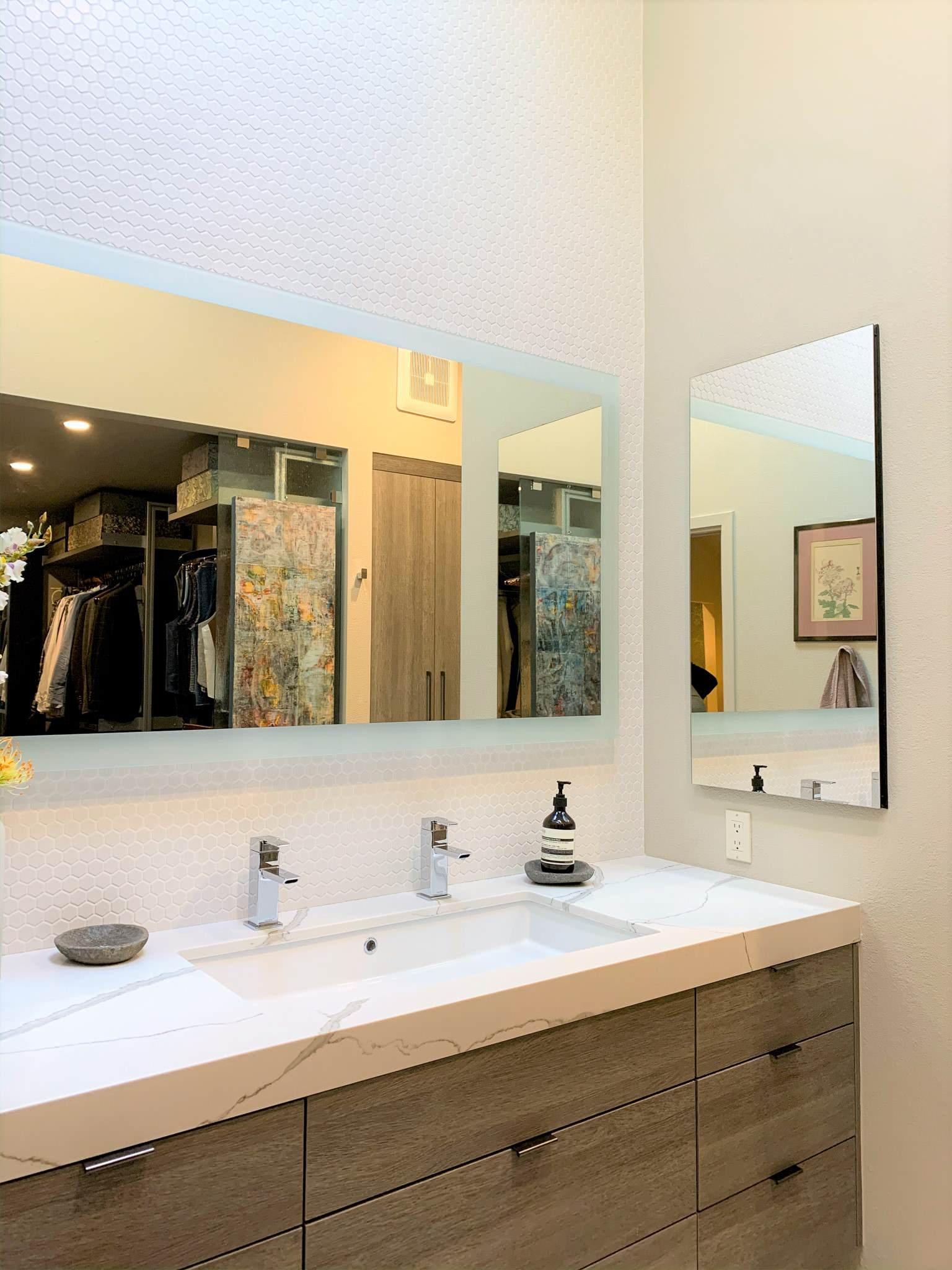 Contemporary Treehouse Master Bathroom