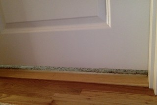 How much space should be between interior door and floor for Door undercut