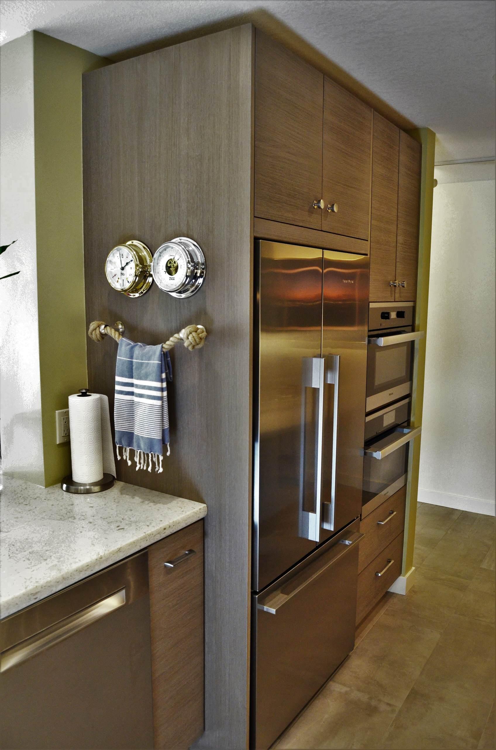 Coastal Contemporary - Kitchen