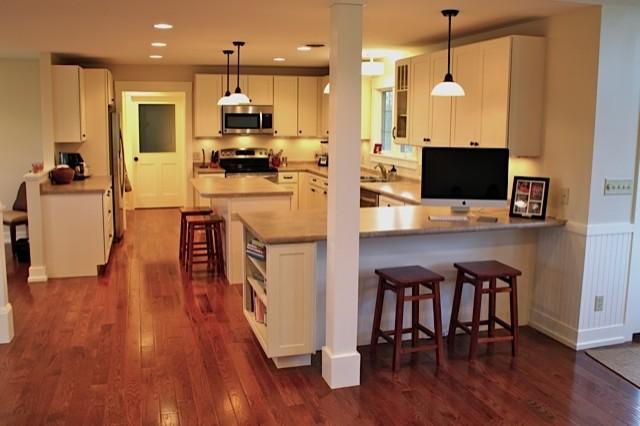 White Kitchen Cabinets   Shaker Style   CliqStudios - Contemporary ...