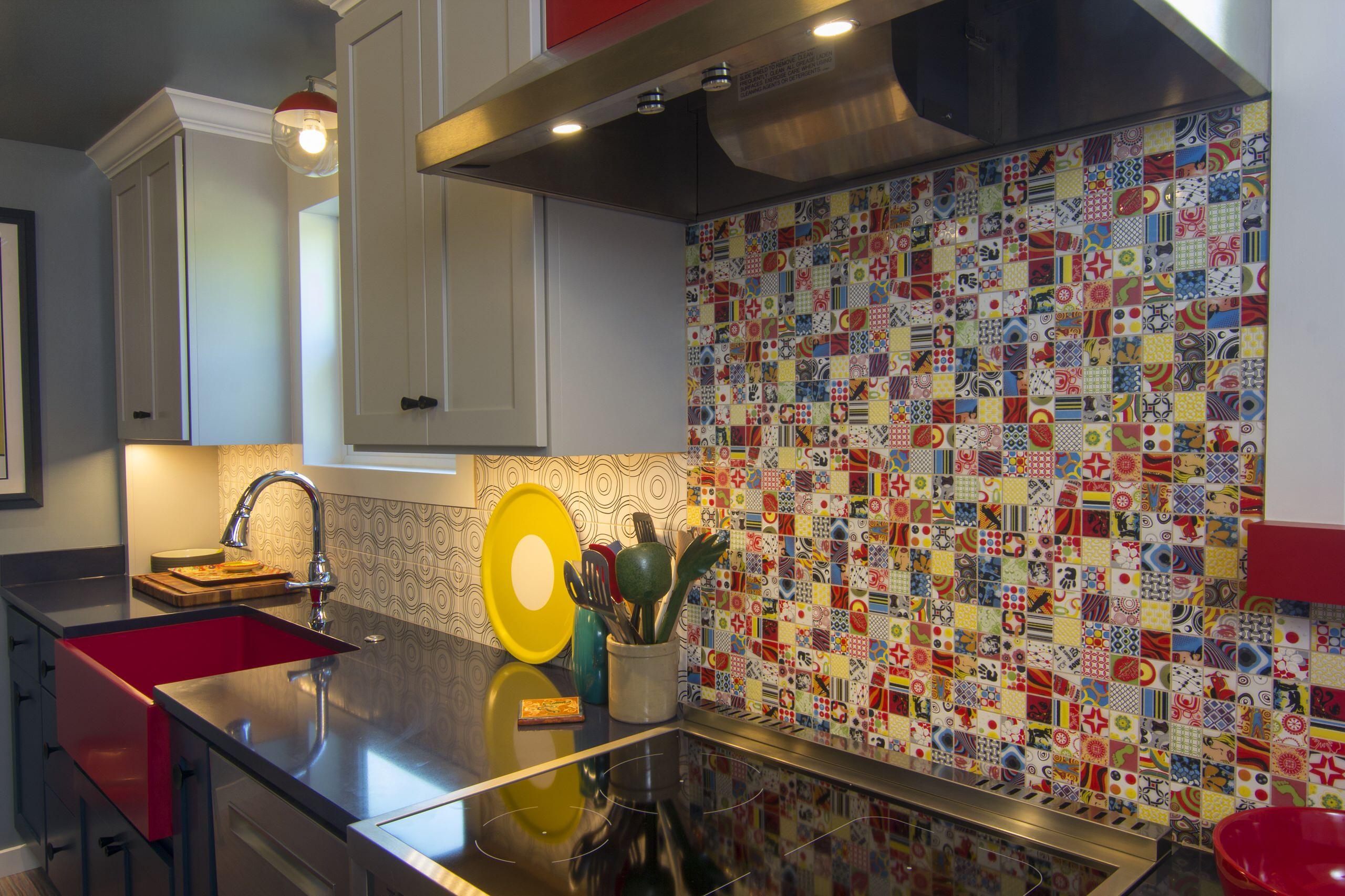 Seattle's Haller Lake Neighborhood - Retro 50's Kitchen - Home Birth Year 1948