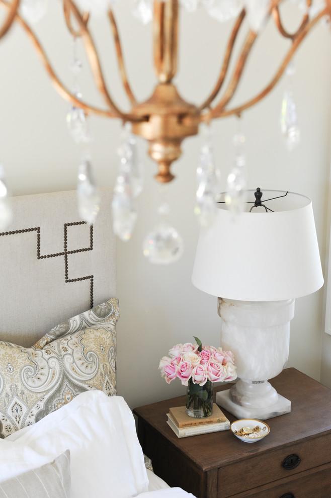 Elegant home design photo in Vancouver