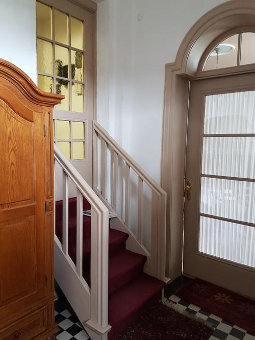 Treppenaufgang Tür treppenaufgang zur wohnung