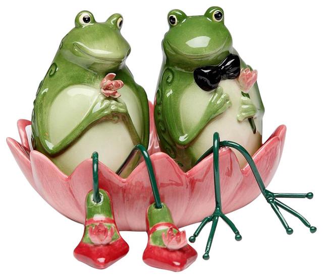 Alfrogo and Frogalina Frog Salt and Pepper Set