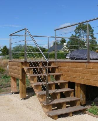 Garde-corps inox à remplissage câble terrasse en bois extérieur avec ...
