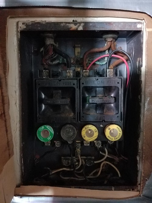 please help! i'm having a hard time with this old fuse box! old electrical fuse box repair old time fuse box #11