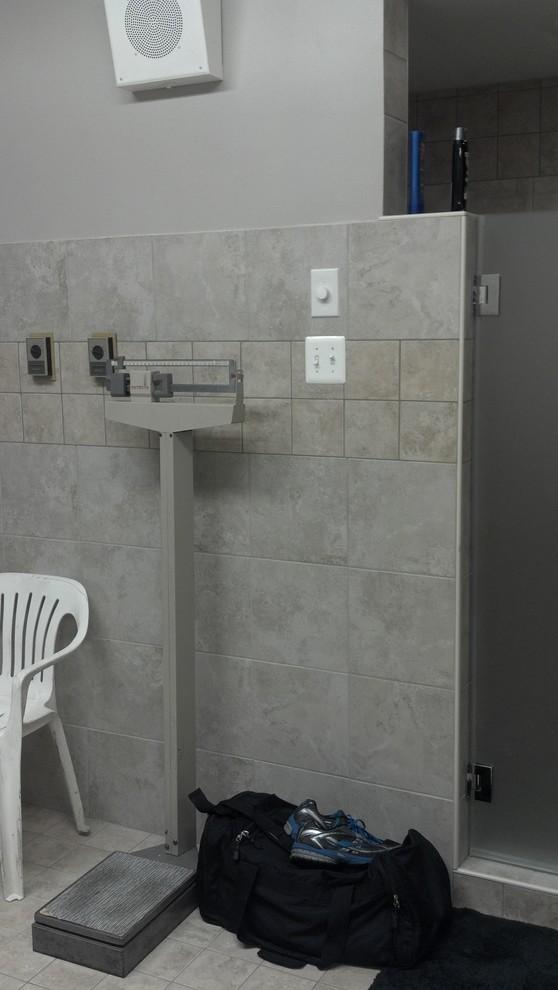 RVFD-Bathroom Entrance/Exit and Shower