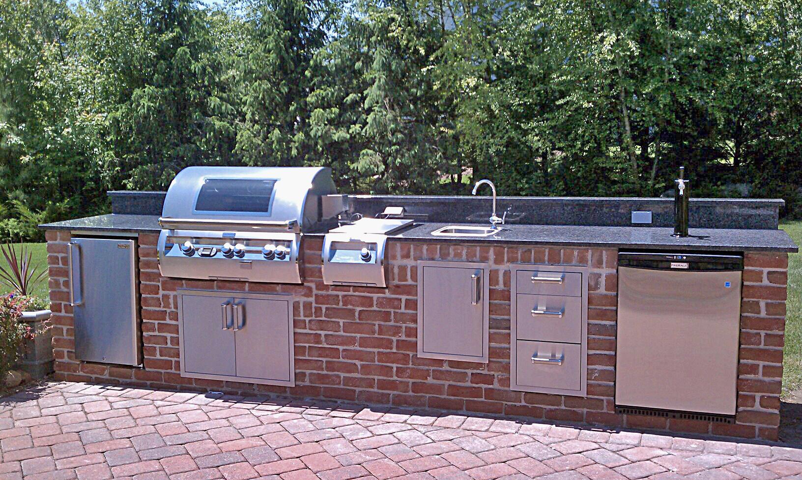 Brick Outdoor Kitchen Houzz