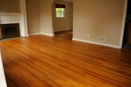 is this a red oak floor? what color stain is this?