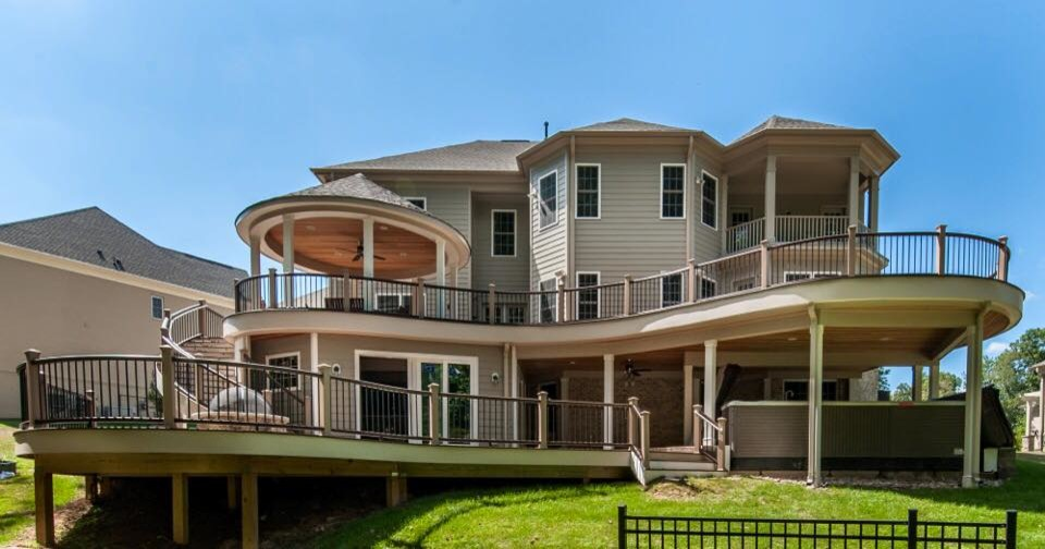 Curvilinear Deck and Outdoor Living