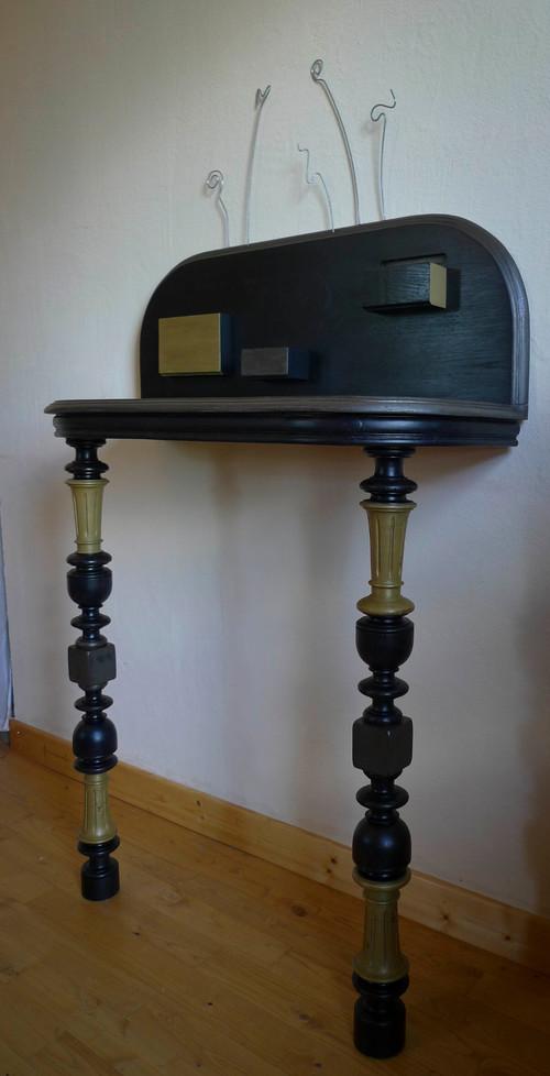 une table henri ii devient une console contemporaine. Black Bedroom Furniture Sets. Home Design Ideas