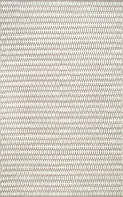 Hand-Woven Triangle Striped Indoor/outdoor Area Rug, Ivory, 7&x27;6x9&x27;6.