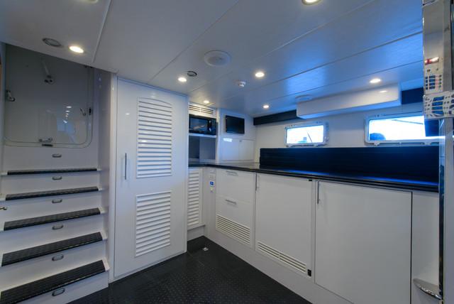 96 39 Pilothouse Motor Yacht