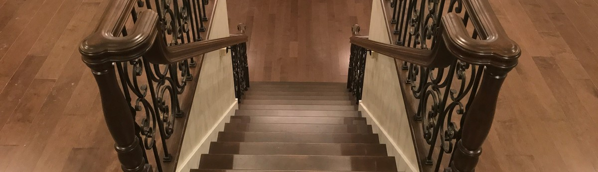 Open riser stairs with stainless steel cable wire railing