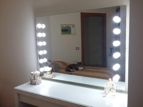 Specchio e bagno - Specchio per trucco illuminato ...