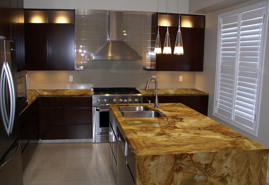 Inspiration for a modern home design remodel in Miami