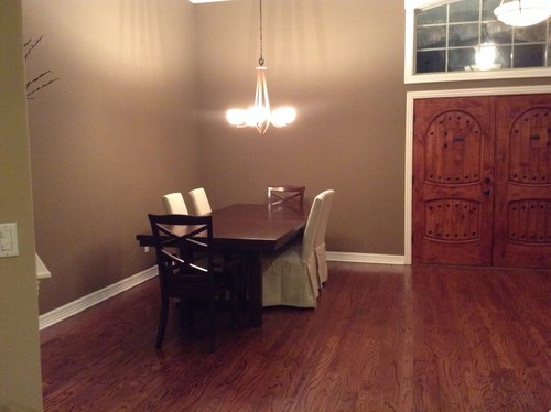Dining room with no natural light how do i decorate for Homes without dining rooms