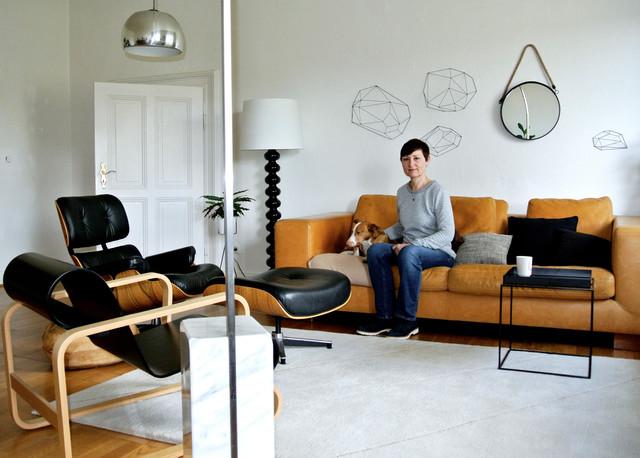 houzzbesuch eine helle k nstlerinnen wohnung voller. Black Bedroom Furniture Sets. Home Design Ideas