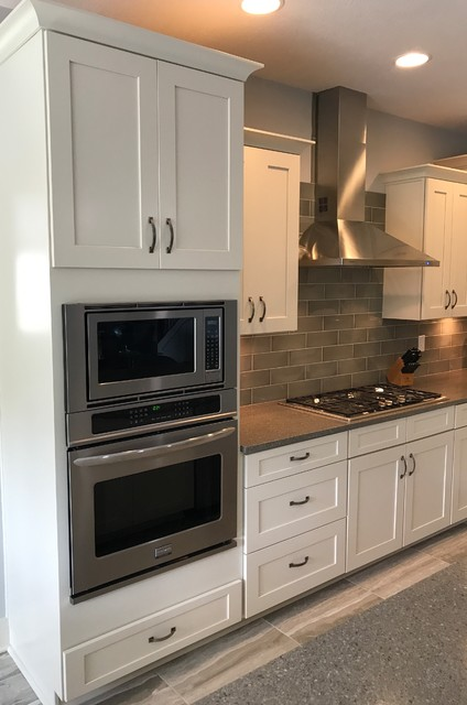 Waypoint And Contractors Choice Cabinetry 650f Painted Silk Kitchen Indianapolis By Concepts The Cabinet Shop Houzz Nz