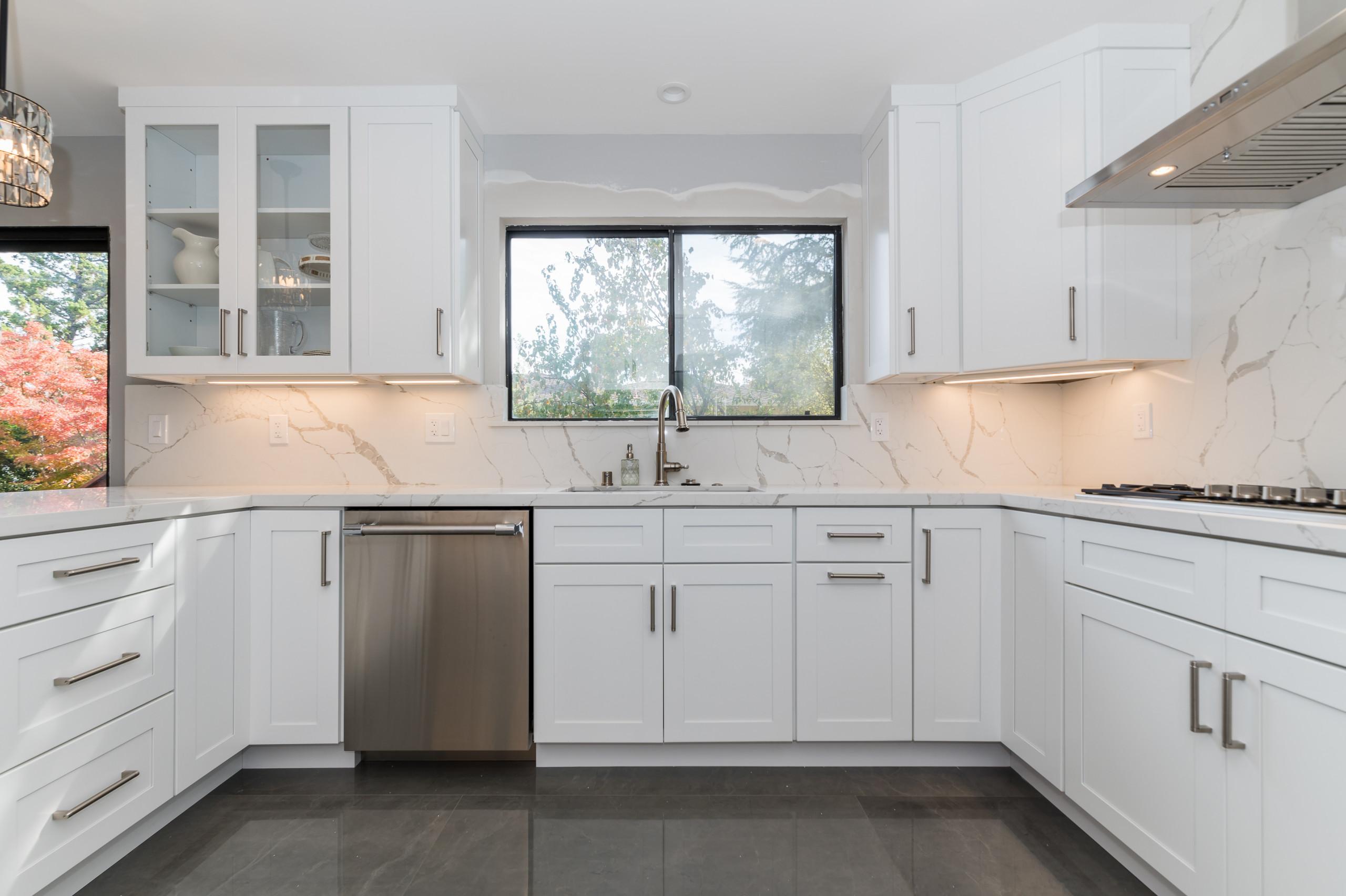 Beautiful Kitchen Design & Remodel