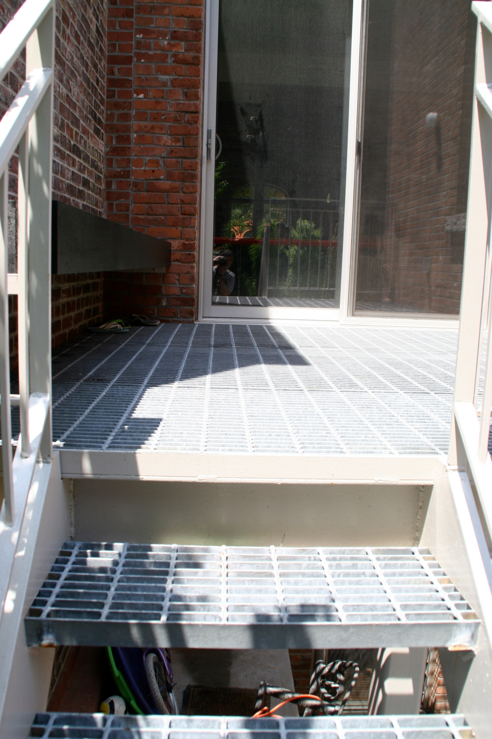 Deck with subway grating