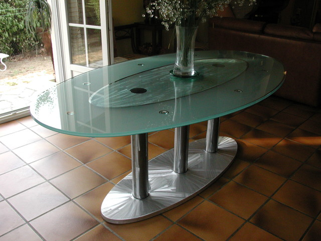 Table haute en verre ovale atelier in vitro for Table haute ovale