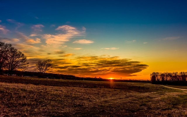 """""""vibrant Sunset"""" 5x7 Photography By Alix Collins."""