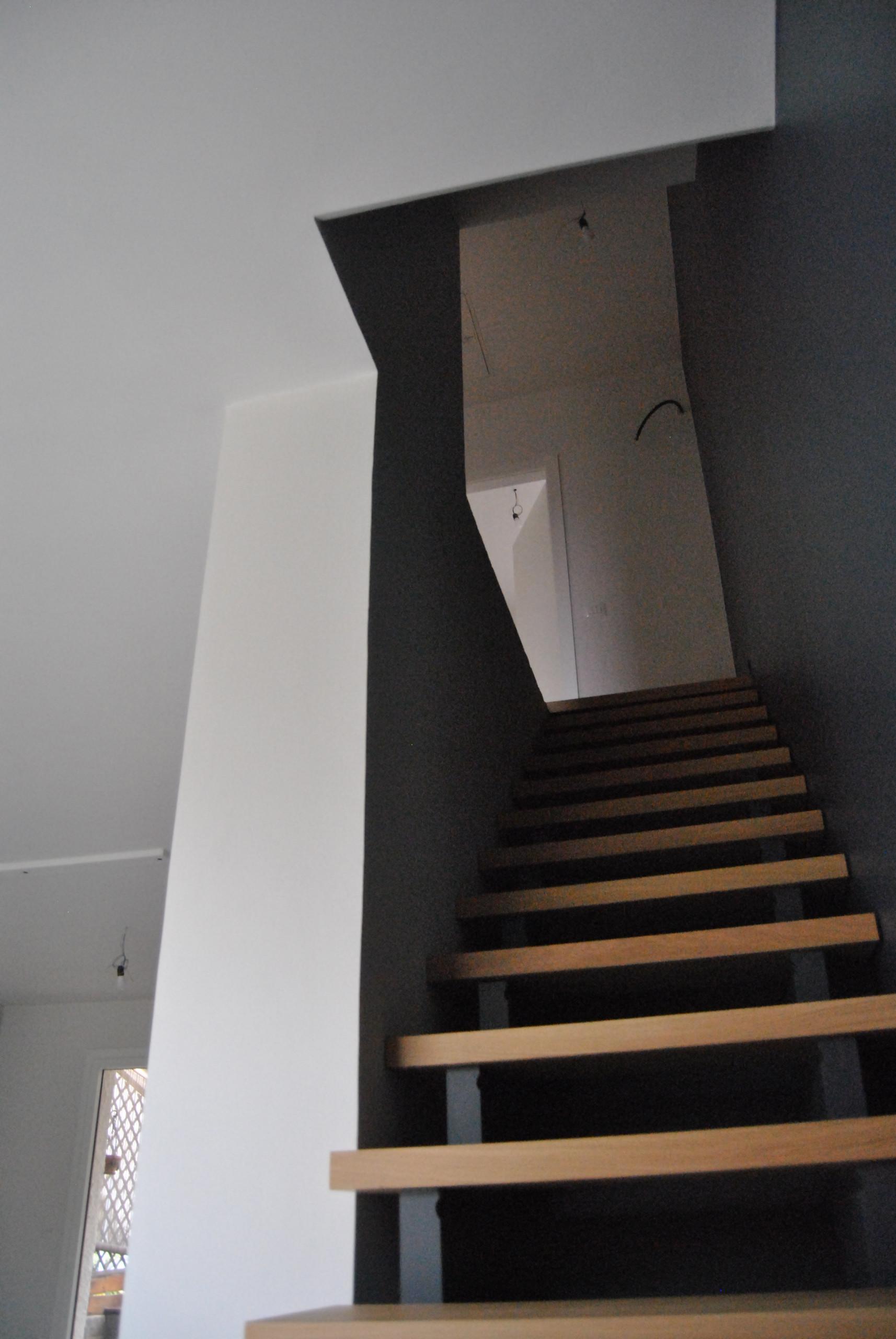Vista della scala dal basso_Lavori in corso.