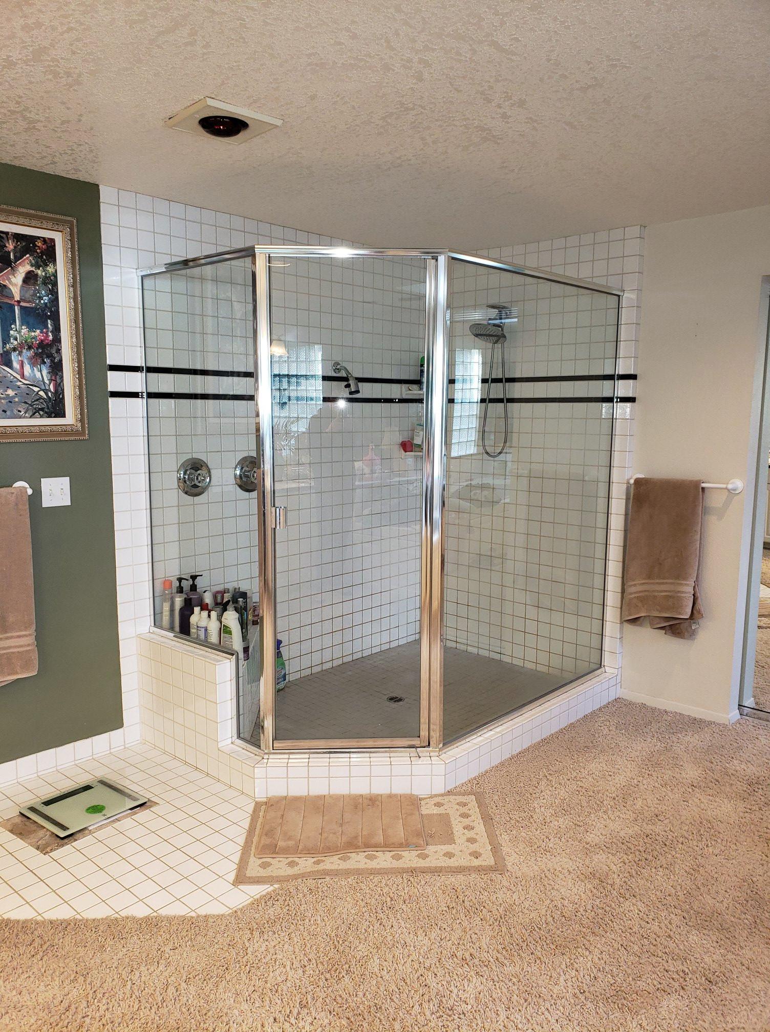 80's Master Shower