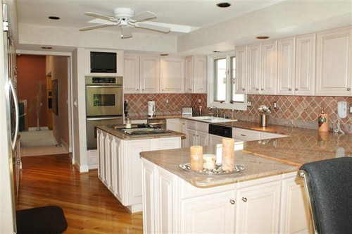 Kitchen cabinets without bulkhead cabinets matttroy for Remodel kitchen without replacing cabinets