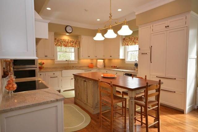 Home design - traditional home design idea in DC Metro