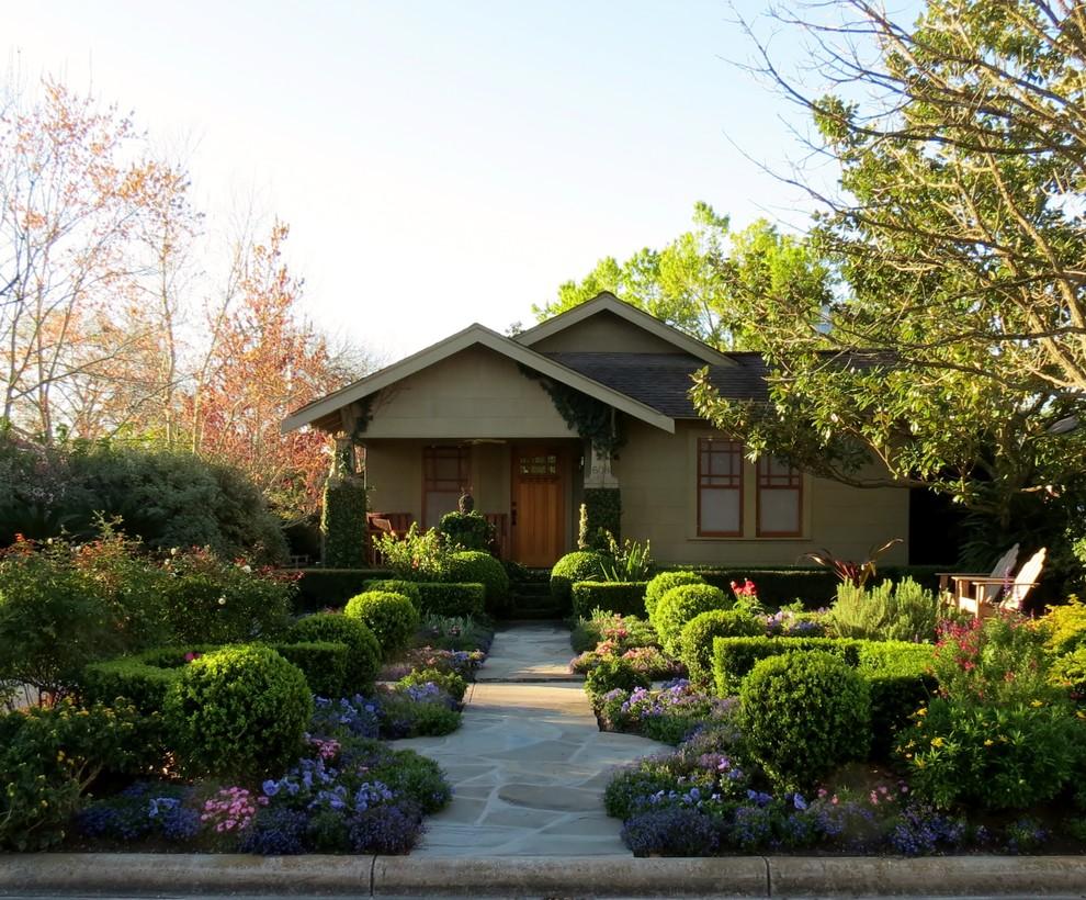Home design - eclectic home design idea in Houston