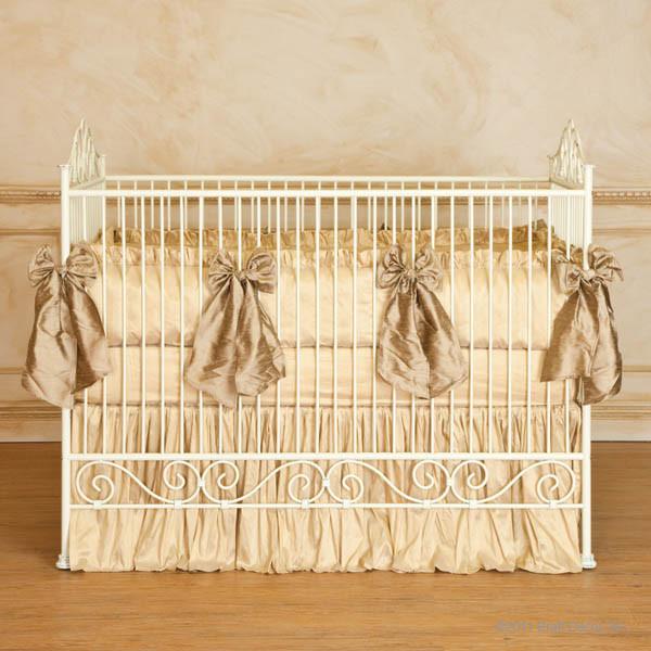 Casablanca Premiere Heirloom Iron Baby Crib Antique White
