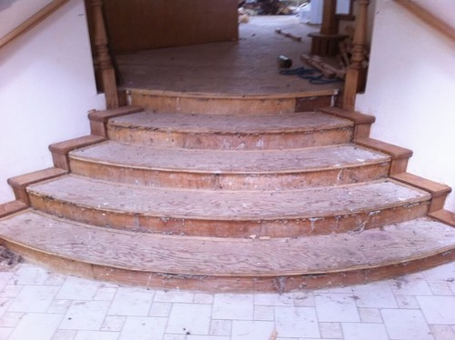 Laying Laminate flooring on Curved Stairs