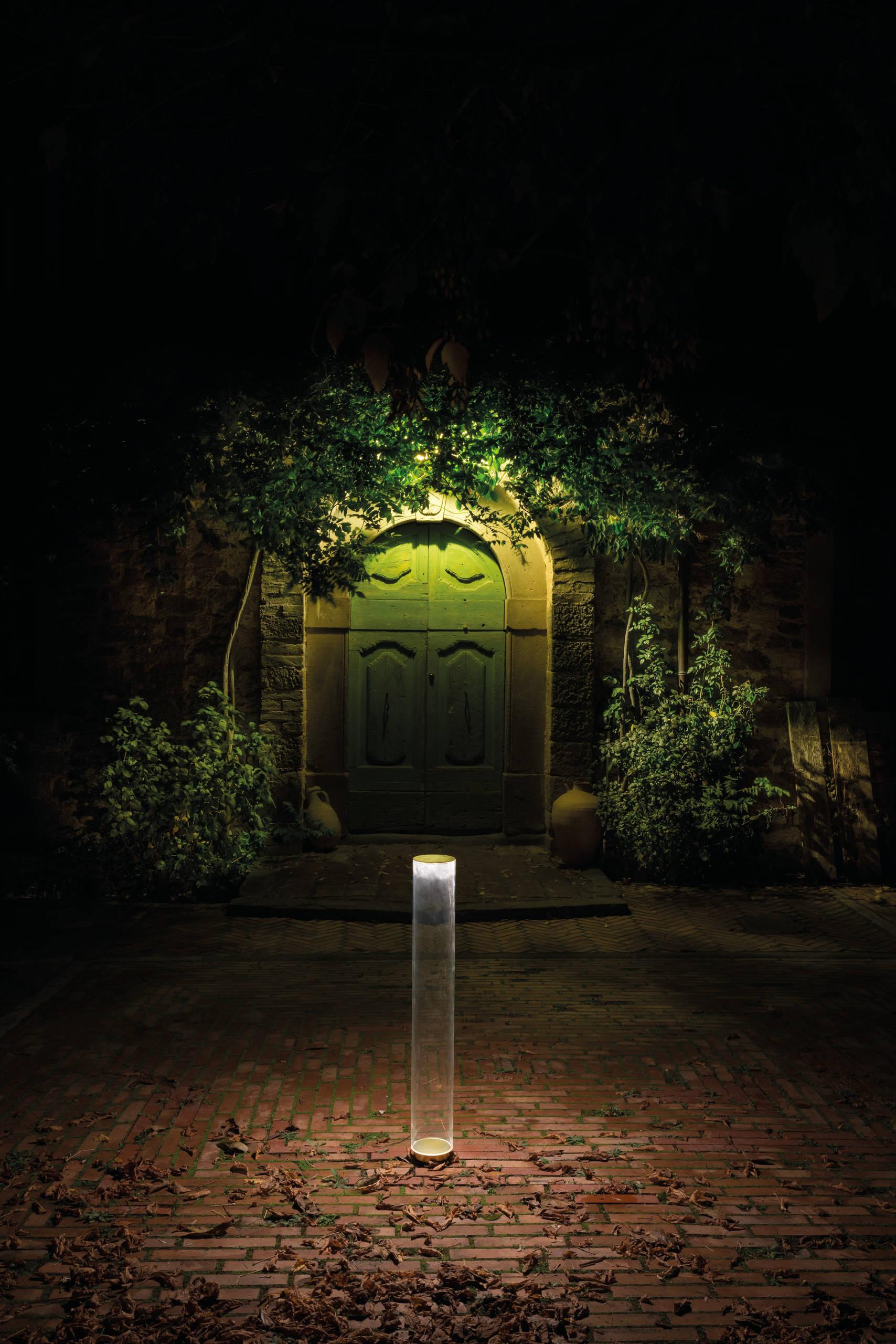 Красивые и дешевые светильники для сада - какое садовое освещение выбрать?