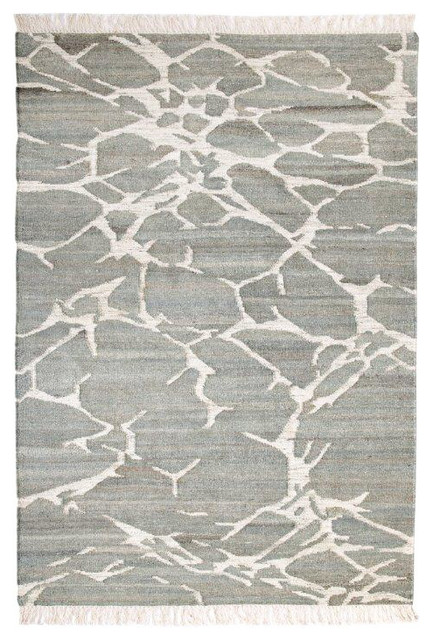 Lightning Tasseled Gray Wool Area Rug, 5&x27;x8&x27;.