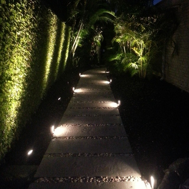LED MODERN LOW PROFILE ACCENT / PATH LIGHTING - Modern - Miami - by Miami Landscape Lighting