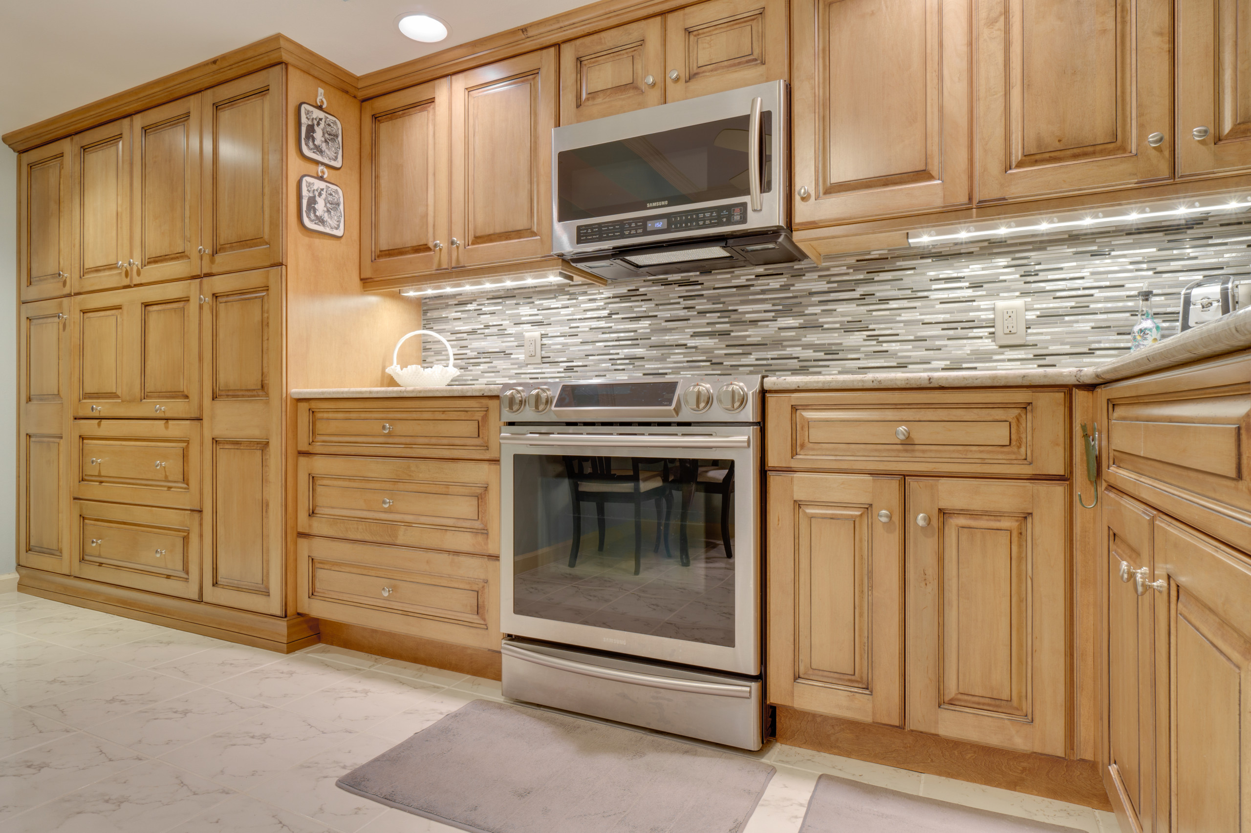 Condo Kitchen Remodel n Stained Raised Panel Maple