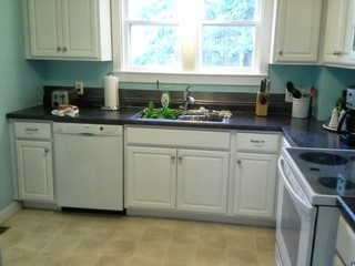 Show me your white kitchens with wood floors for Show me some kitchen designs
