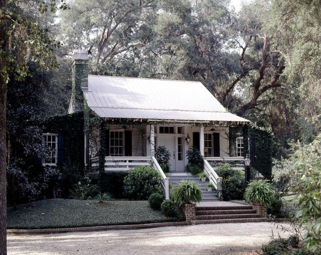 caretaker s cottage on plantation style southern estate rh houzz com southern cottage style furniture southern cottage style magazine