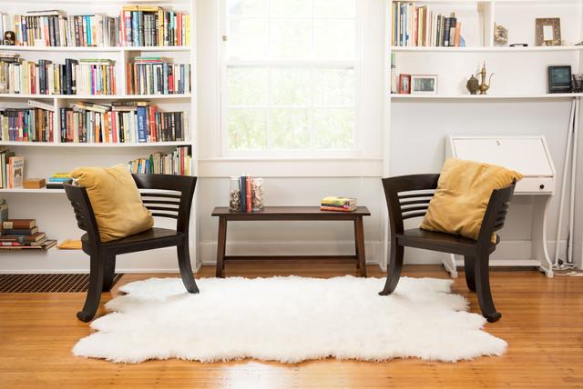 Super Soft White Faux Fur Sheepskin Shag Rug, White, Octo Pelt 5&x27;x7&x27;.