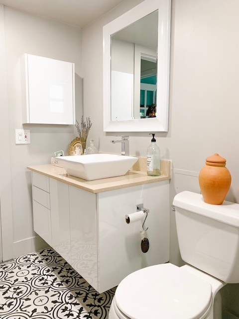 BATHROOM RENO FOR SMALL BEACH CONDO