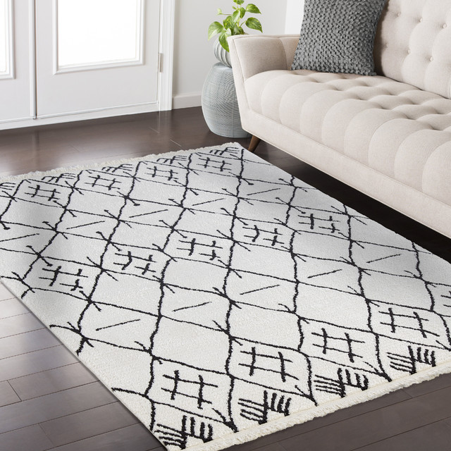 Mod Arte Fez Collection Fz04 10146 White And Charcoal Area Rug 62