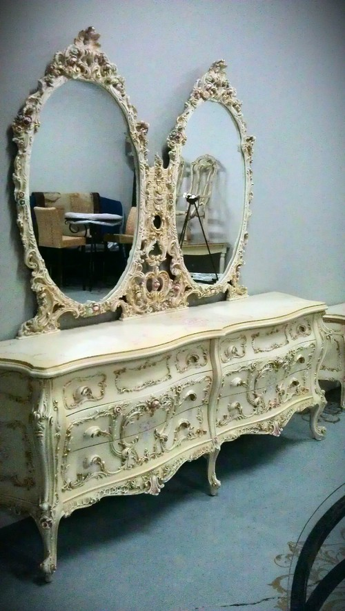 What do I do with this GAUDY Rococo Bedroom Set? Help