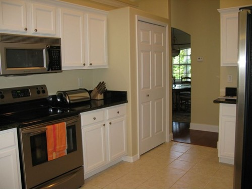The Room Is Small And I Dont Like Pass Throughs If Take Down Wall It Will Look Feel As Kitchen Living Are One