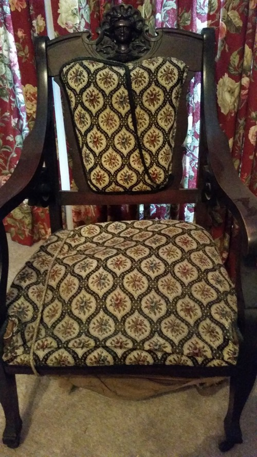 Pls Help Identify Antique Settee 3 Chairs With Carved Lady Face - Help Identifying Antique Furniture - Furniture Designs