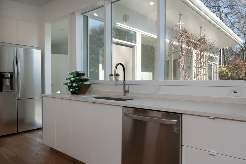 How to remodel a Mid-century modern kitchen