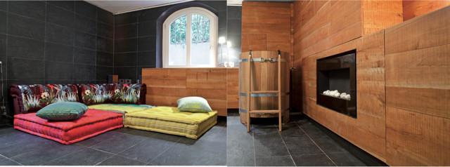 Abstellraum im Keller für eine Sauna mit Wasserzuber